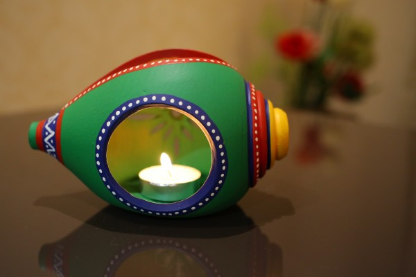 Terracotta Hand painted Green Shank Shape Tea Light Holder