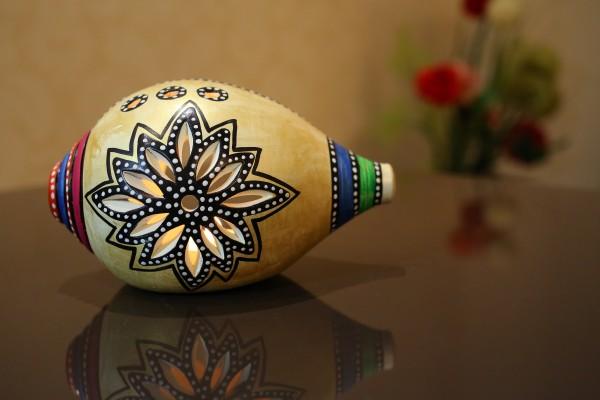 Terracotta Hand Painted Shank Shape Sliver Tea Light Holder